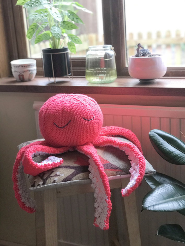 Big Friendly Octopus Knitting Pattern